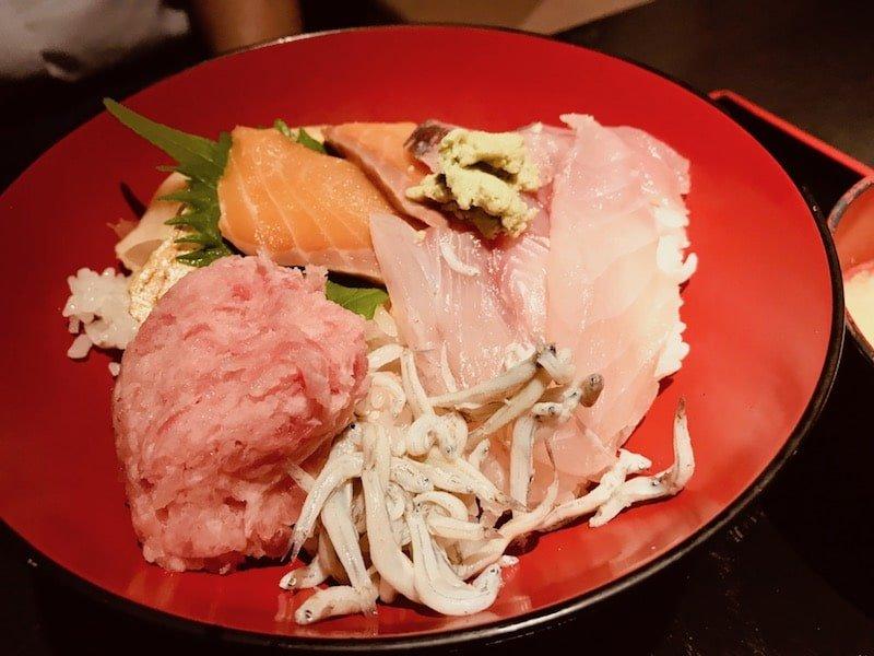 ランチ:海鮮丼